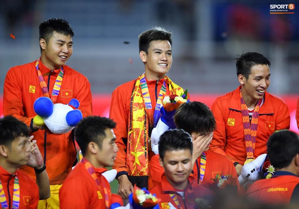 U22 Việt Nam ăn mừng cực cảm xúc khi vô địch SEA Games 30 - Ảnh 18.