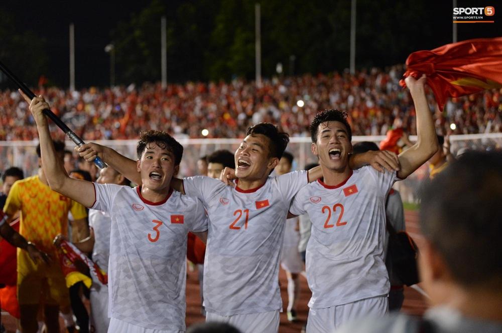 U22 Việt Nam ăn mừng cực cảm xúc khi vô địch SEA Games 30 - Ảnh 17.