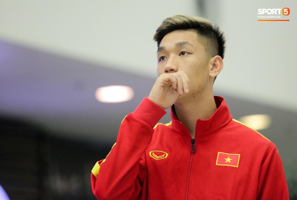 Đình Trọng, Trọng Đại thần thái ngày hội quân, U22 Việt Nam mang nguyên dàn trai đẹp sang Hàn Quốc tập huấn - Ảnh 6.