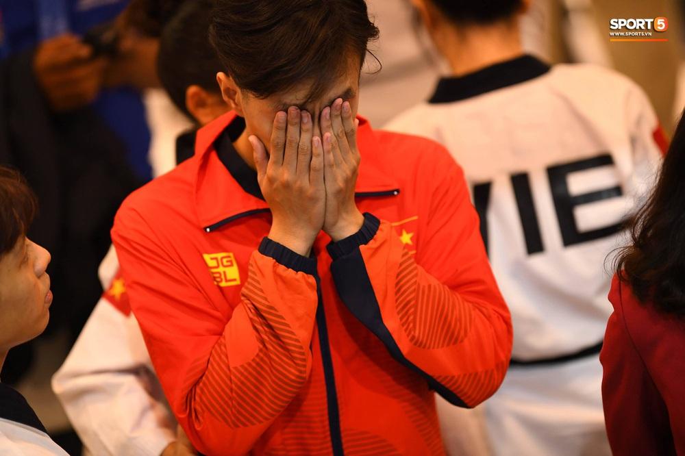 Những nhà vô địch mít ướt tại SEA Games 30: Ở đó có những giọt nước mắt phải chờ đợi hơn nửa đời người - Ảnh 8.