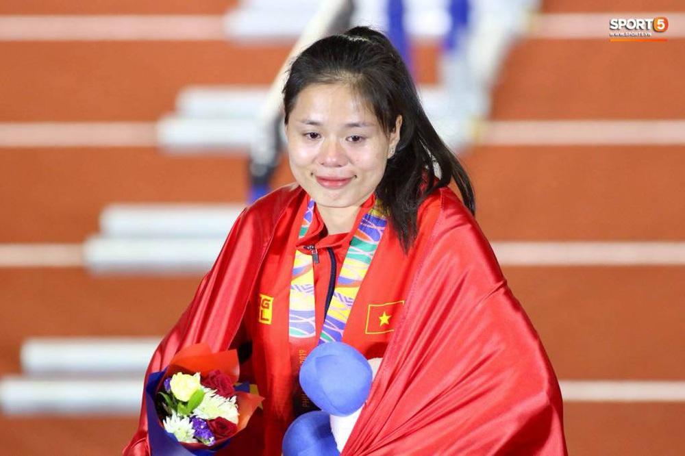 Những nhà vô địch mít ướt tại SEA Games 30: Ở đó có những giọt nước mắt phải chờ đợi hơn nửa đời người - Ảnh 4.