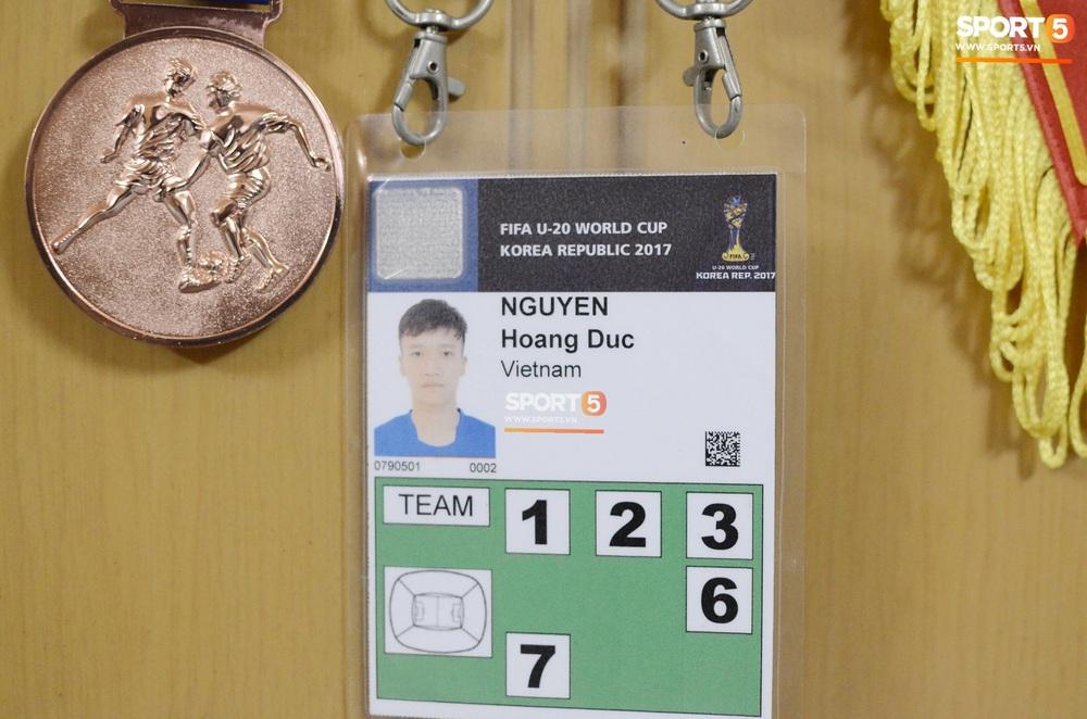 Về thăm nhà người hùng U22 Việt Nam, Nguyễn Hoàng Đức: Tràn ngập kỷ vật World Cup và những bức ảnh thời trẻ trâu hết sức dễ thương - Ảnh 8.
