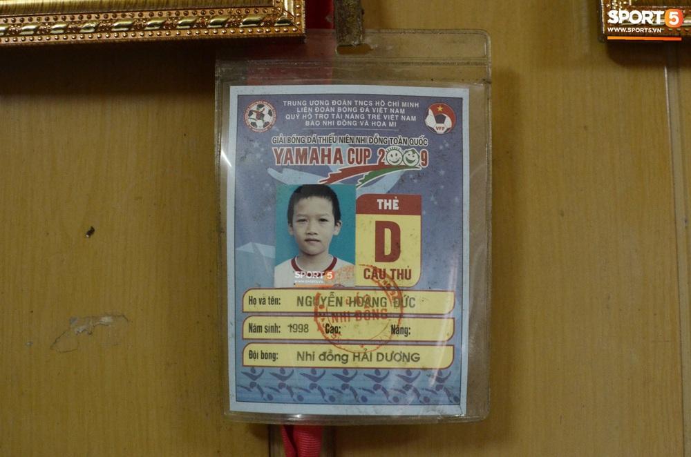Về thăm nhà người hùng U22 Việt Nam, Nguyễn Hoàng Đức: Tràn ngập kỷ vật World Cup và những bức ảnh thời trẻ trâu hết sức dễ thương - Ảnh 12.