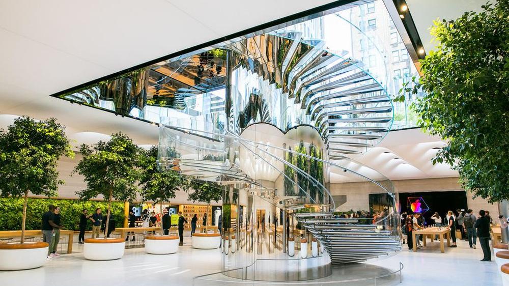 Vẻ đẹp gây nghiện của Apple Store chất nhất thế giới: Kiệt tác dưới lòng đất, hút khách hơn cả tượng Nữ thần Tự do - Ảnh 4.
