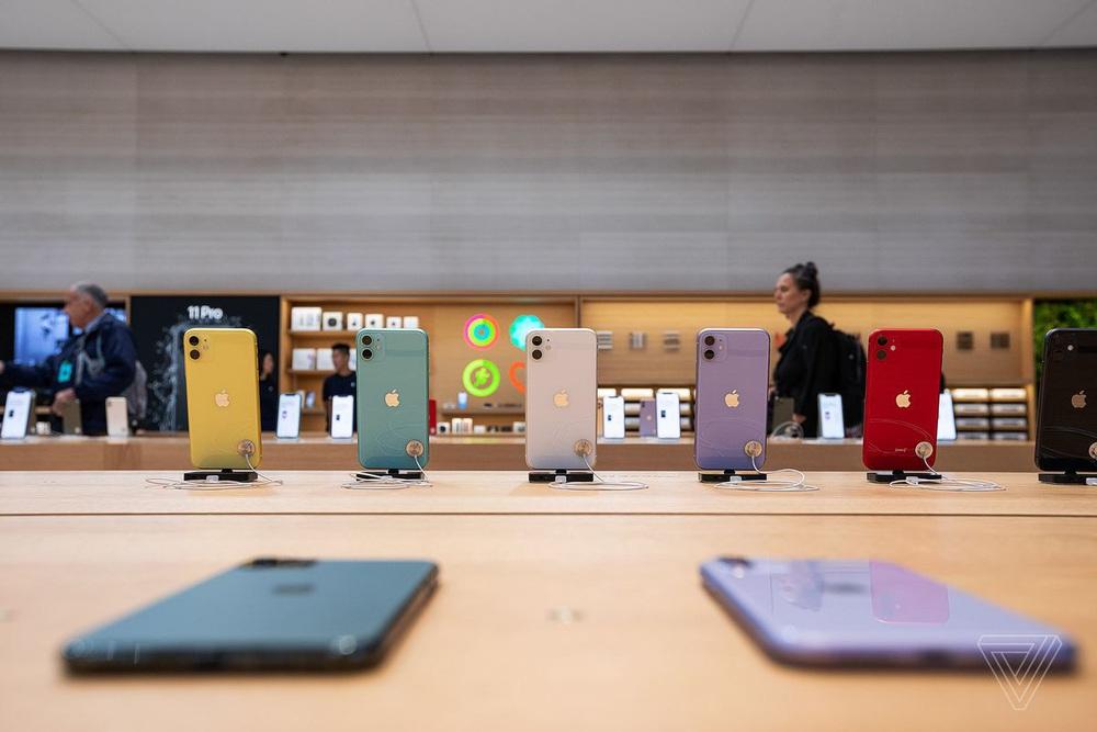 Vẻ đẹp gây nghiện của Apple Store chất nhất thế giới: Kiệt tác dưới lòng đất, hút khách hơn cả tượng Nữ thần Tự do - Ảnh 17.