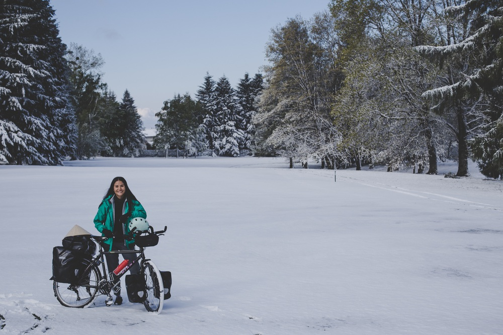 Chồng Pháp vợ Việt cùng đạp xe từ nhà anh tới nhà em 16.000 km và hành trình yêu thương mang tên Nón lá - Ảnh 8.