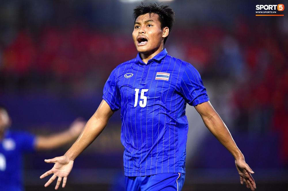 U22 Việt Nam ăn mừng đầy cảm xúc sau bàn thắng gỡ hòa 2-2 của Tiến Linh vào lưới U22 Thái Lan - Ảnh 13.
