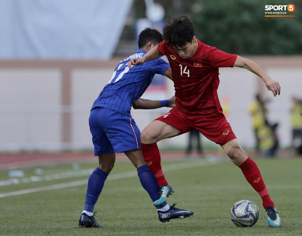 Thầy Park và HLV trưởng Thái Lan không bắt tay nhau ở trận đấu quyết định tại SEA Games 30 - Ảnh 1.