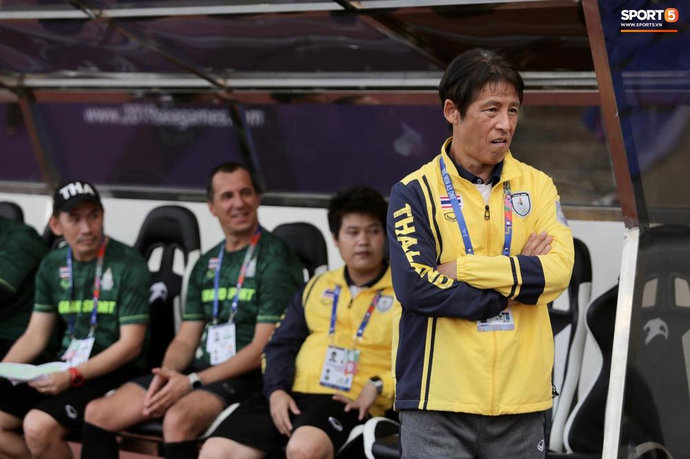 Thầy Park và HLV trưởng Thái Lan không bắt tay nhau ở trận đấu quyết định tại SEA Games 30 - Ảnh 3.