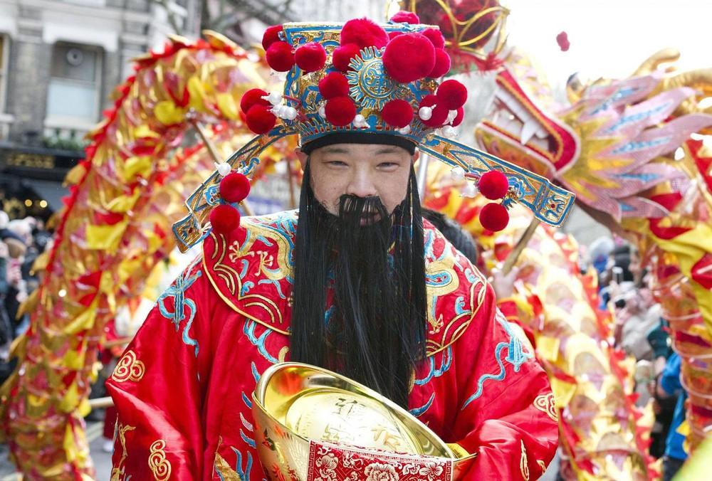 Ngắm khung cảnh rộn ràng đón Tết Nguyên Đán tại Chinatown ở London trong nửa thế kỷ qua - Ảnh 23.