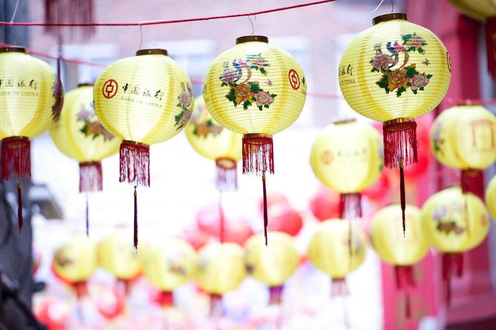 Ngắm khung cảnh rộn ràng đón Tết Nguyên Đán tại Chinatown ở London trong nửa thế kỷ qua - Ảnh 19.