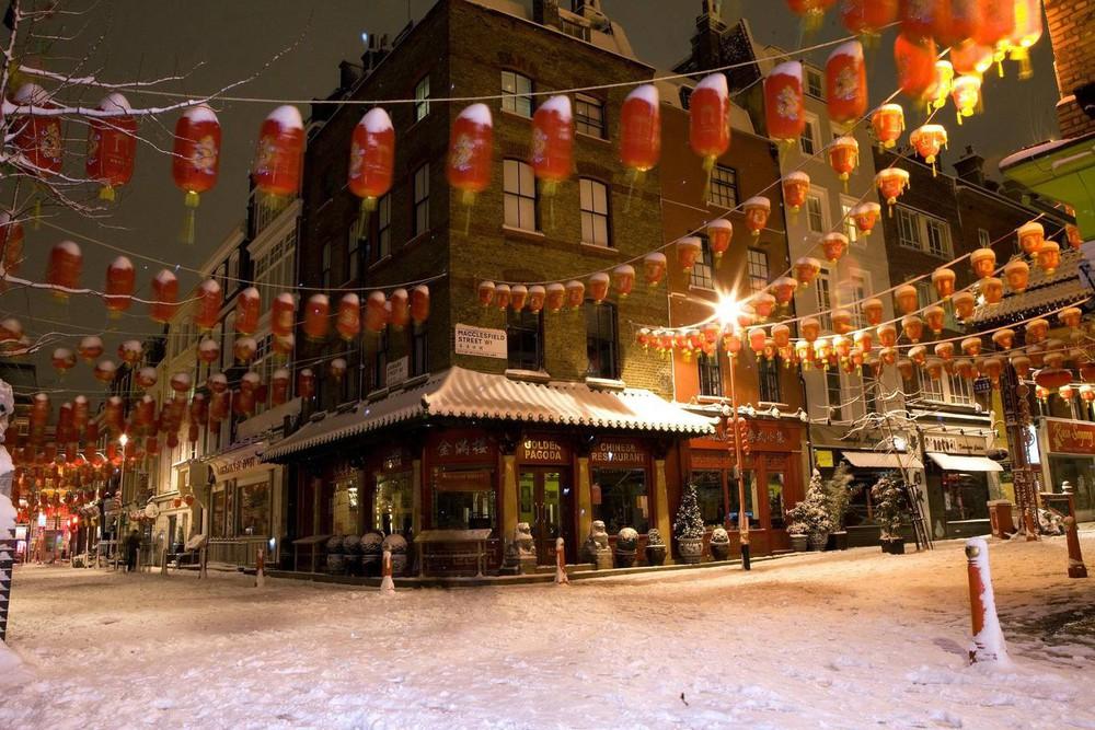 Ngắm khung cảnh rộn ràng đón Tết Nguyên Đán tại Chinatown ở London trong nửa thế kỷ qua - Ảnh 17.