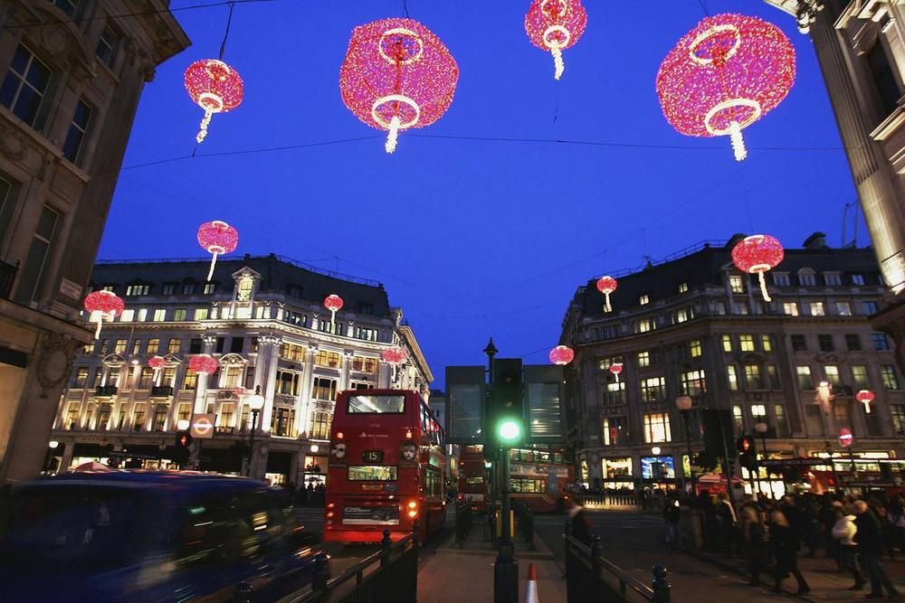 Ngắm khung cảnh rộn ràng đón Tết Nguyên Đán tại Chinatown ở London trong nửa thế kỷ qua - Ảnh 14.