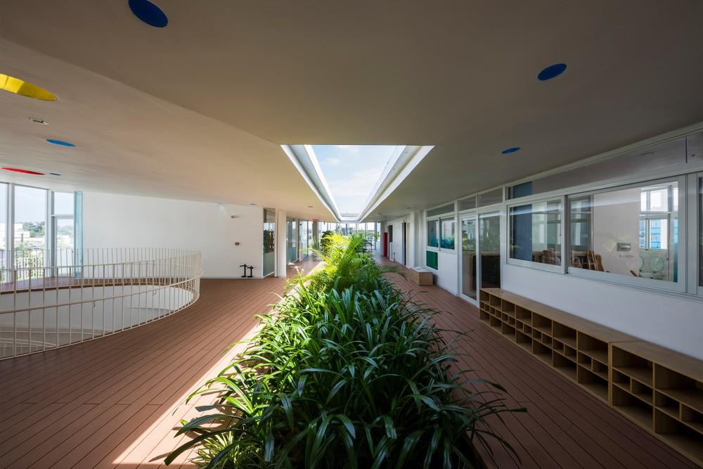 Thiết kế siêu đẹp và độc đáo, ngôi trường ở Bến Tre được tạp chí kiến trúc hàng đầu thế giới hết lời ngợi ca - Ảnh 1.