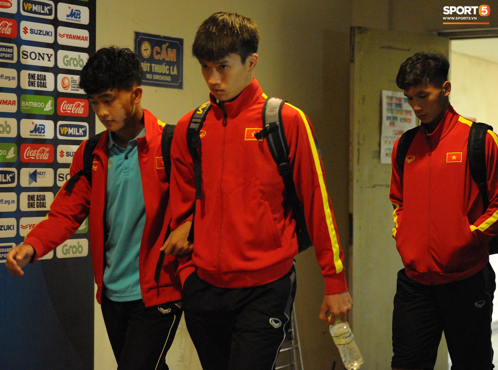Sút hay nhưng chưa gặp may, tiền đạo điển trai của U23 Việt Nam được fan đồng lòng động viên - Ảnh 11.
