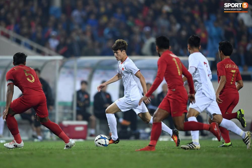 Sút hay nhưng chưa gặp may, tiền đạo điển trai của U23 Việt Nam được fan đồng lòng động viên - Ảnh 3.