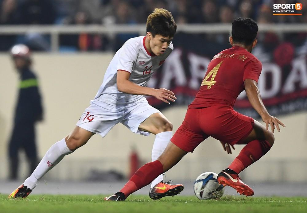 Sút hay nhưng chưa gặp may, tiền đạo điển trai của U23 Việt Nam được fan đồng lòng động viên - Ảnh 2.