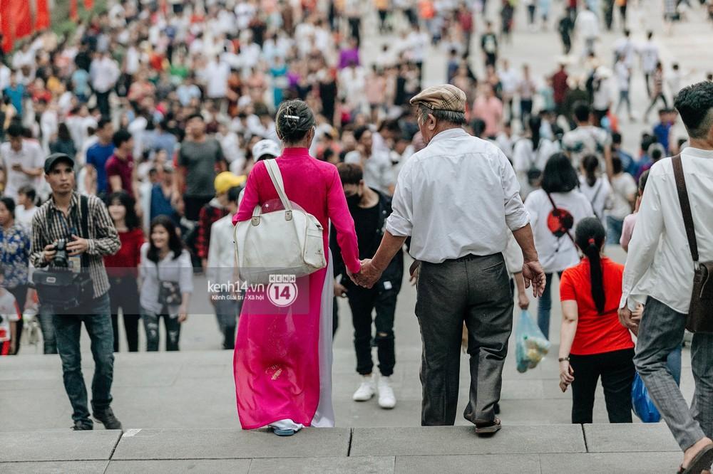 Nhìn lại những khoảnh khắc ấn tượng 2 ngày chính hội ở đền Hùng dịp giỗ Tổ Hùng Vương 2019 - Ảnh 3.