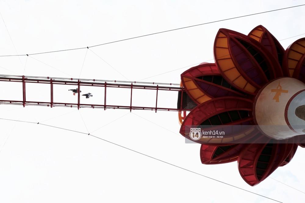 Cận cảnh chiếc cầu kính trong suốt tại Mộc Châu trước ngày khánh thành - Ảnh 8.