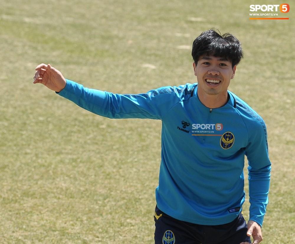 Công Phượng cười thả ga, xoá tan nghi ngờ bị áp lực từ truyền thông sau lần đầu đá chính ở K.League - Ảnh 6.