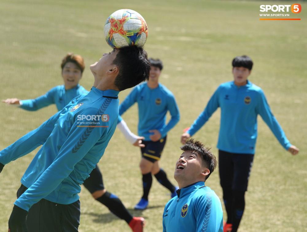 Công Phượng cười thả ga, xoá tan nghi ngờ bị áp lực từ truyền thông sau lần đầu đá chính ở K.League - Ảnh 10.