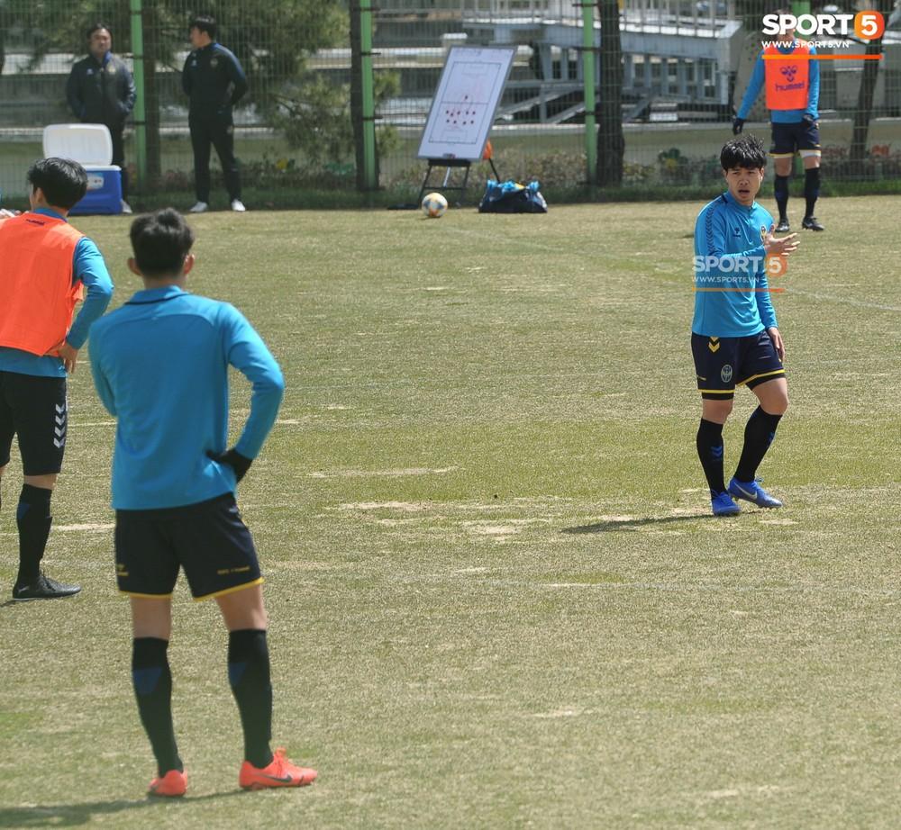 Công Phượng cười thả ga, xoá tan nghi ngờ bị áp lực từ truyền thông sau lần đầu đá chính ở K.League - Ảnh 13.