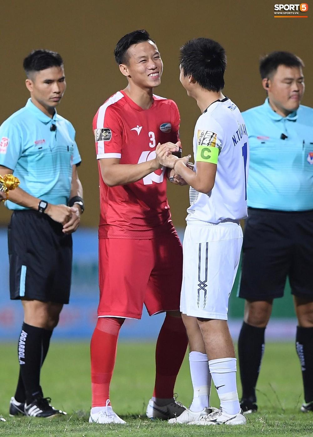 Dàn tuyển thủ Việt Nam hội ngộ trong trận Viettel gặp HAGL - Ảnh 2.