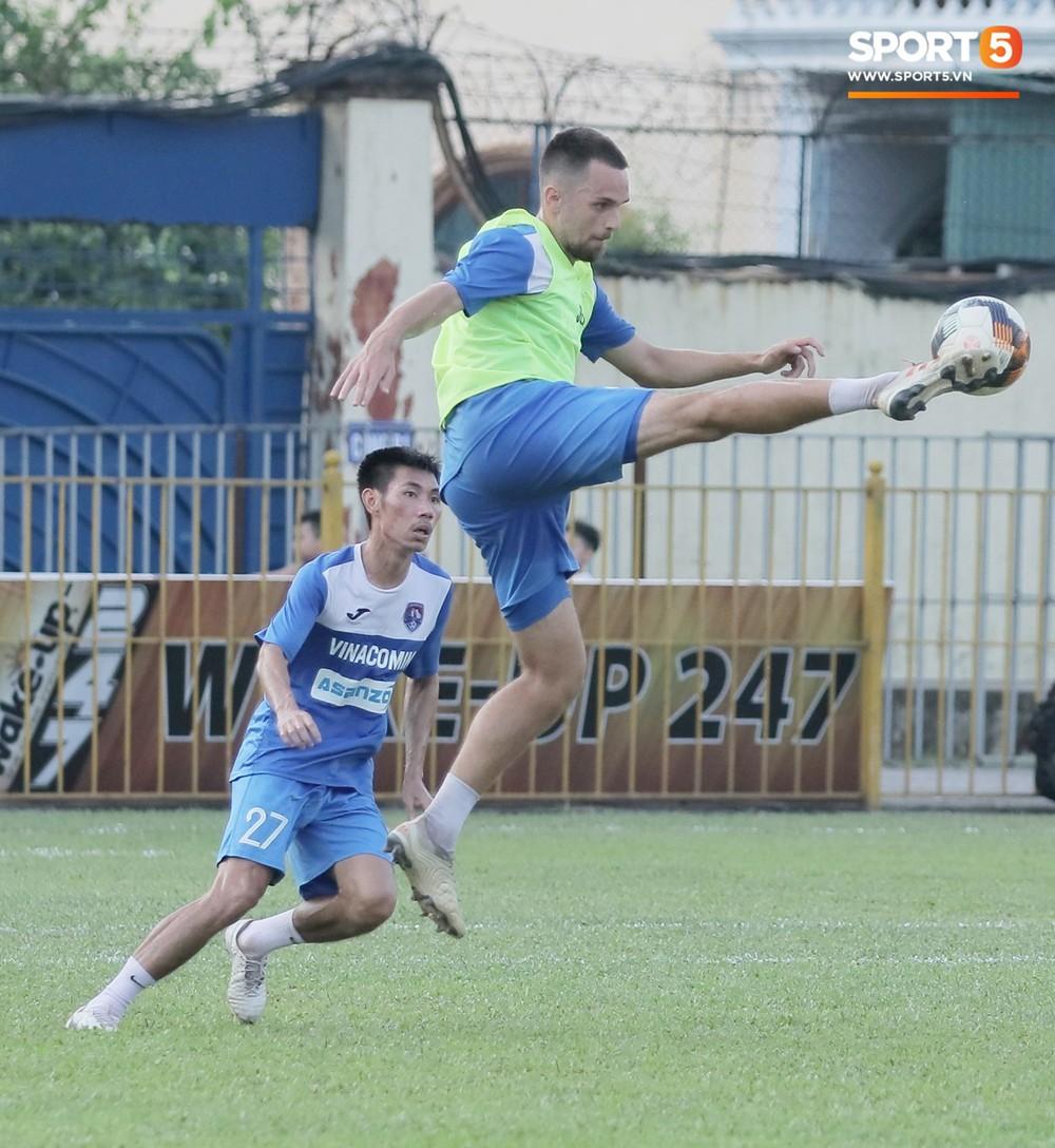 Cầu thủ Việt kiều Mạc Hồng Quân: Nếu được thầy Park gọi lên tuyển, đó là một vinh dự - Ảnh 7.