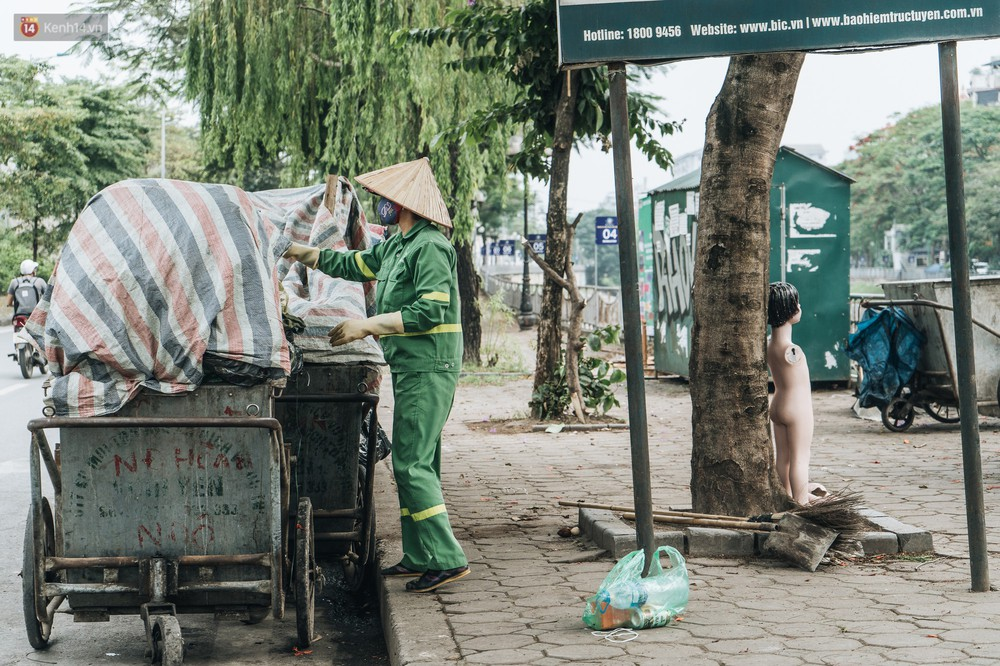 Nhiều tuyến phố ở Hà Nội xuất hiện những ngôi nhà di động cho xe rác - Ảnh 10.