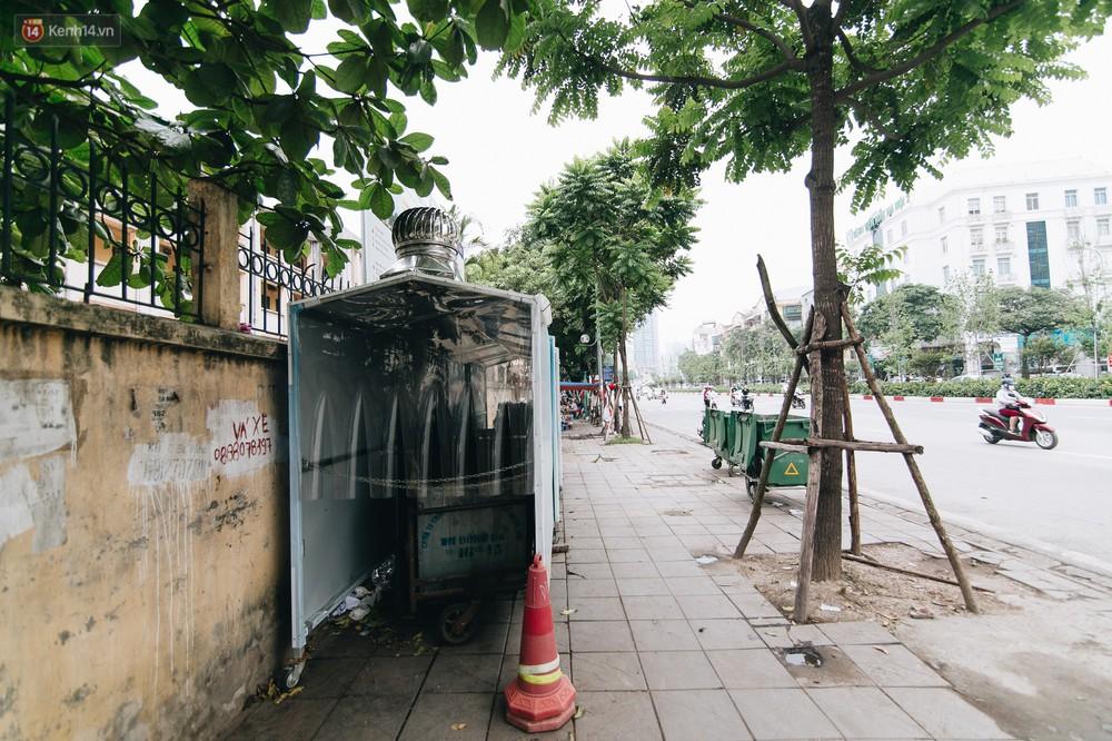Nhiều tuyến phố ở Hà Nội xuất hiện những ngôi nhà di động cho xe rác - Ảnh 8.