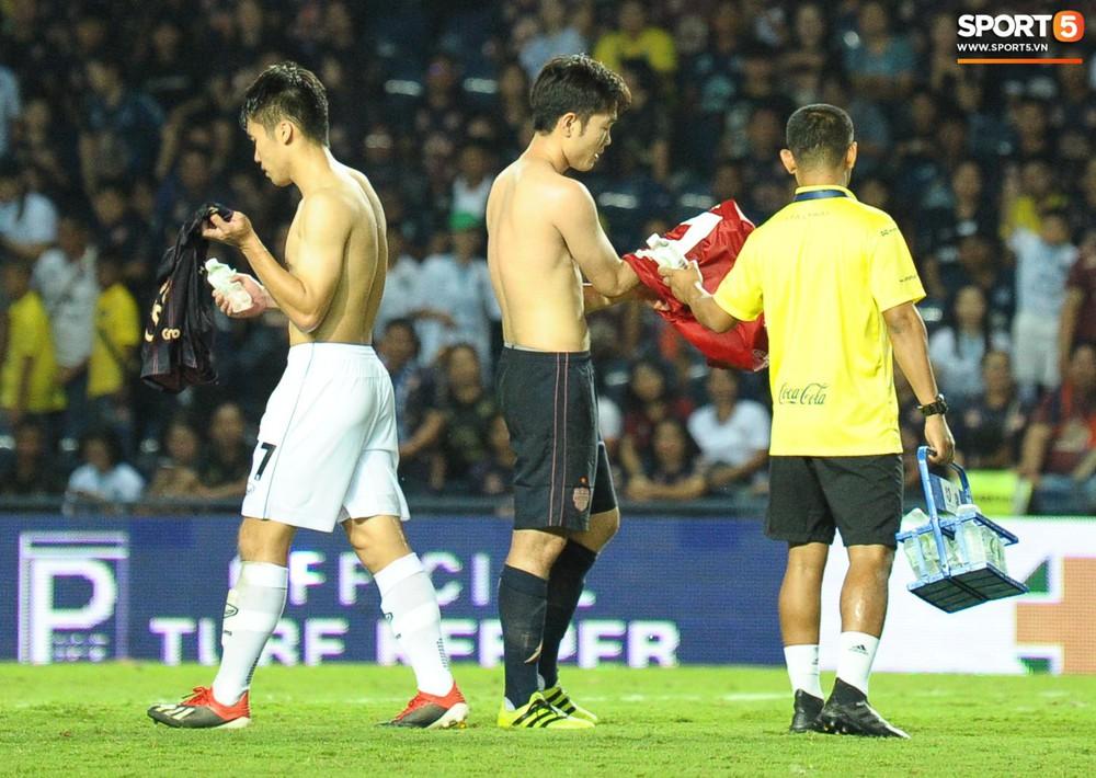 Giải mã hành động Xuân Trường cởi áo sau trận thắng đội bóng của Văn Lâm - Ảnh 5.
