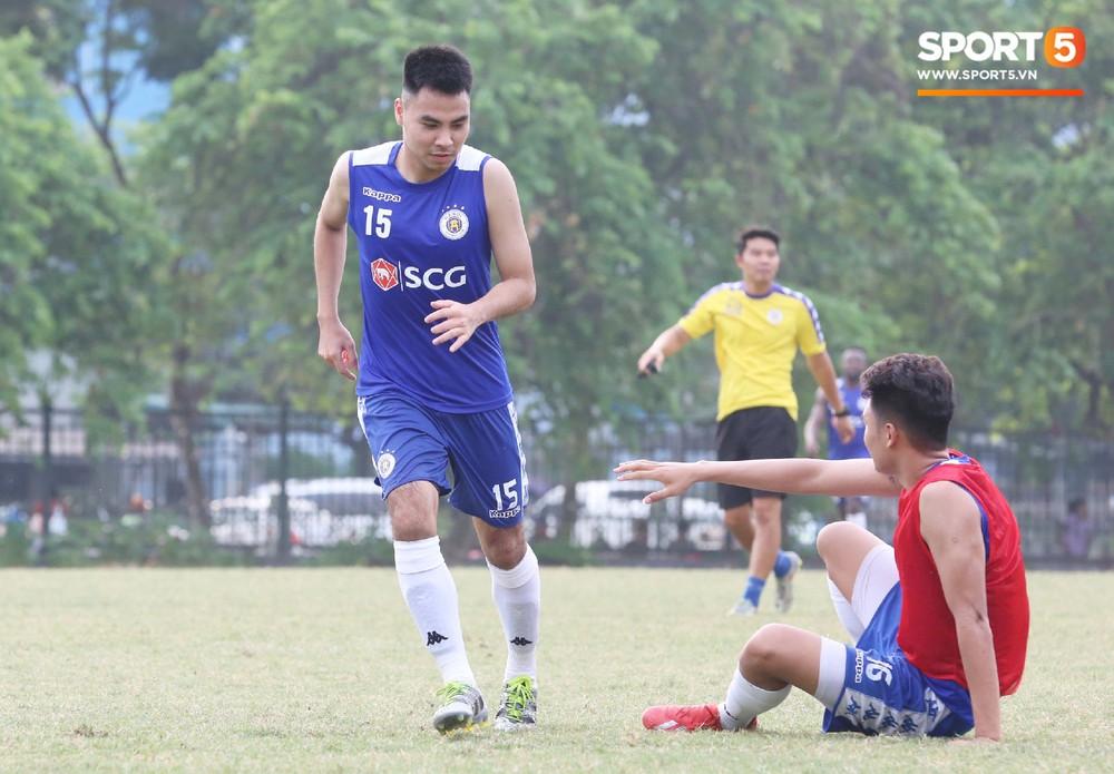 Duy Mạnh vừa trở lại, Hà Nội FC lại thiệt quân khi mất tân binh tuyển Quốc gia trước đại chiến với HAGL - Ảnh 7.
