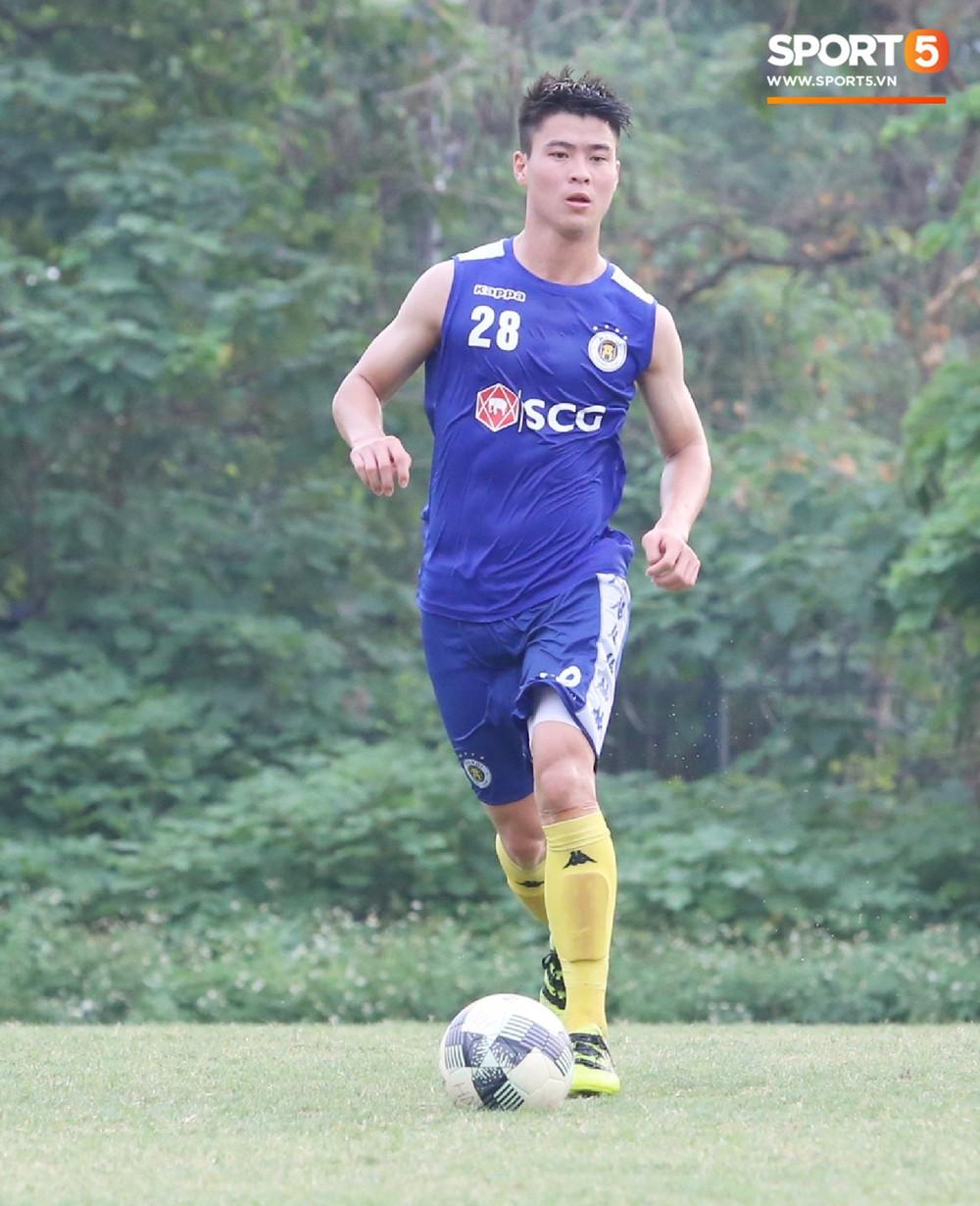 Duy Mạnh vừa trở lại, Hà Nội FC lại thiệt quân khi mất tân binh tuyển Quốc gia trước đại chiến với HAGL - Ảnh 6.