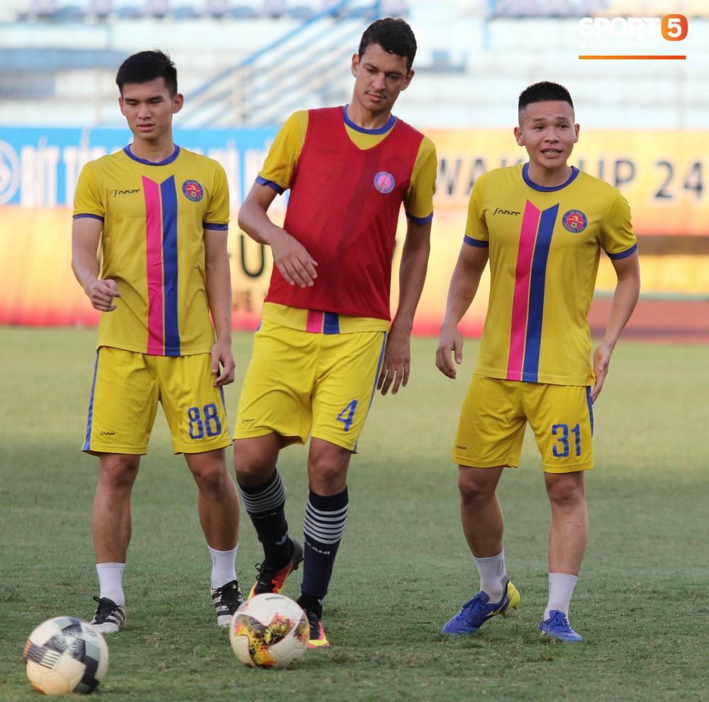 Tiến bộ thần tốc, cựu thủ môn điển trai của U23 Việt Nam vẫn khiêm tốn trước cuộc đọ sức với Hà Nội FC - Ảnh 8.
