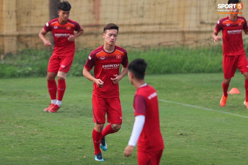 U23 Việt Nam cười hết nấc với màn khởi động nắm tay nhau đi khắp thế gian - Ảnh 11.