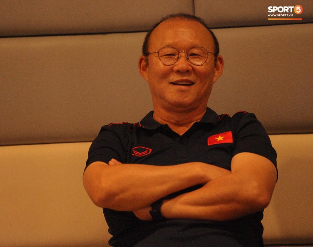 Truyền thông Thái Lan vắng bóng trong buổi phỏng vấn HLV Park Hang-seo - Ảnh 7.