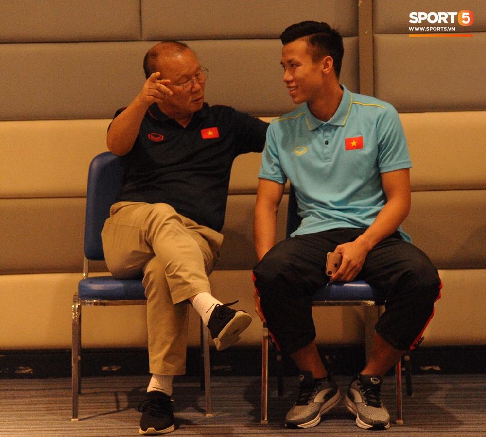 Truyền thông Thái Lan vắng bóng trong buổi phỏng vấn HLV Park Hang-seo - Ảnh 6.