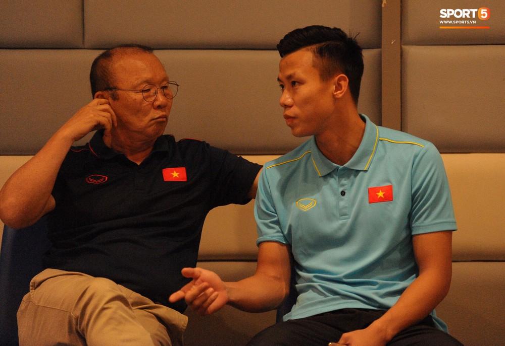 Truyền thông Thái Lan vắng bóng trong buổi phỏng vấn HLV Park Hang-seo - Ảnh 5.