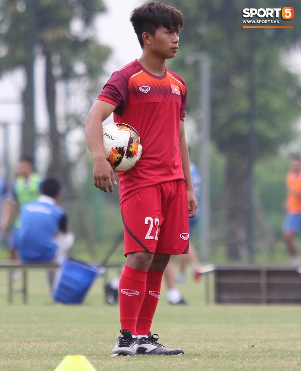 U18 Việt Nam hăng say tập luyện hướng tới giải U18 Đông Nam Á - Ảnh 1.