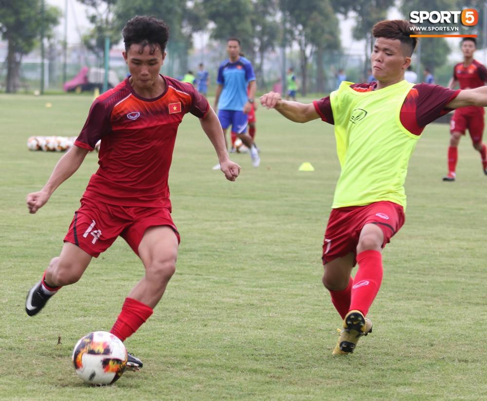 U18 Việt Nam hăng say tập luyện hướng tới giải U18 Đông Nam Á - Ảnh 12.