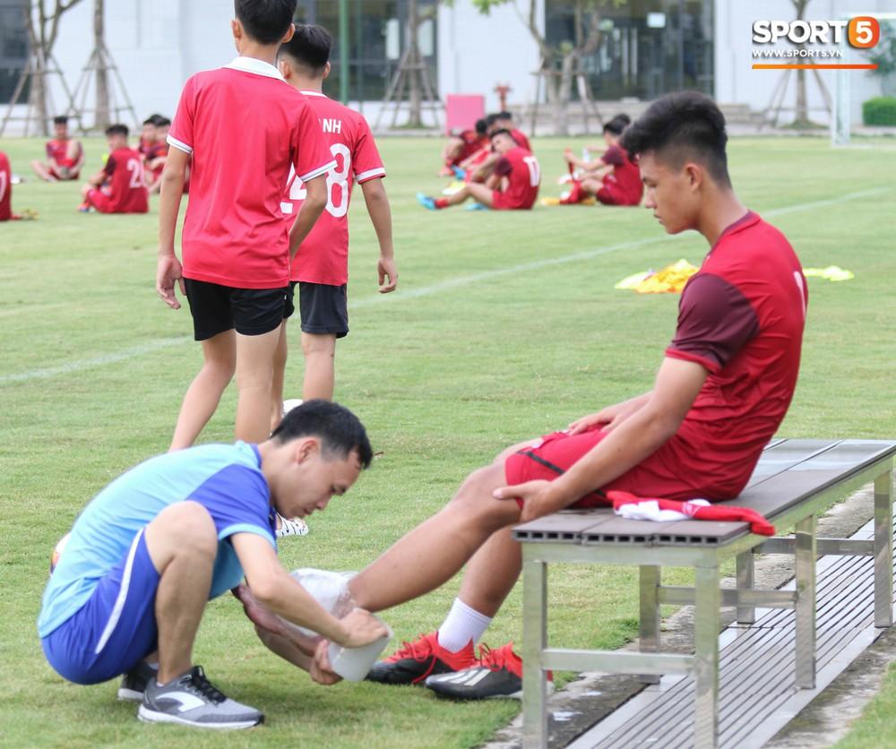 U18 Việt Nam hăng say tập luyện hướng tới giải U18 Đông Nam Á - Ảnh 11.
