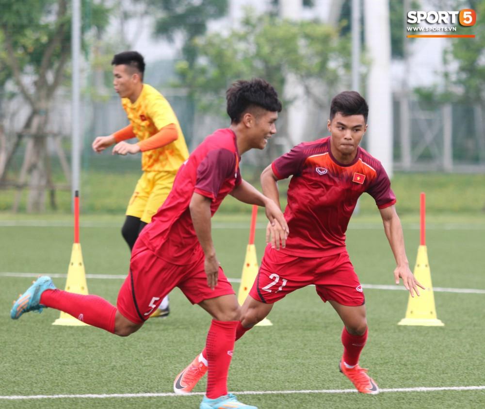 U18 Việt Nam hăng say tập luyện hướng tới giải U18 Đông Nam Á - Ảnh 8.