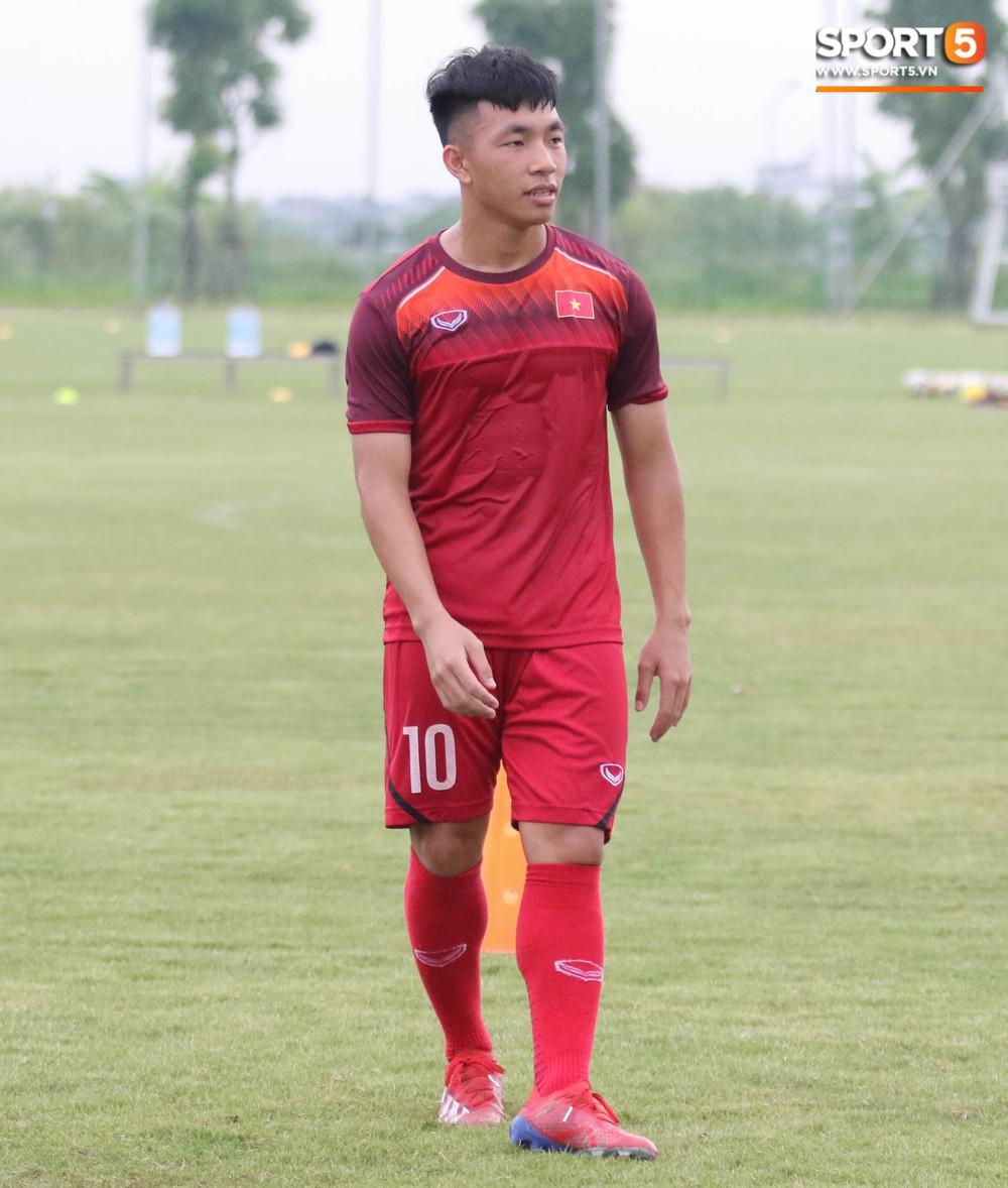 U18 Việt Nam hăng say tập luyện hướng tới giải U18 Đông Nam Á - Ảnh 6.