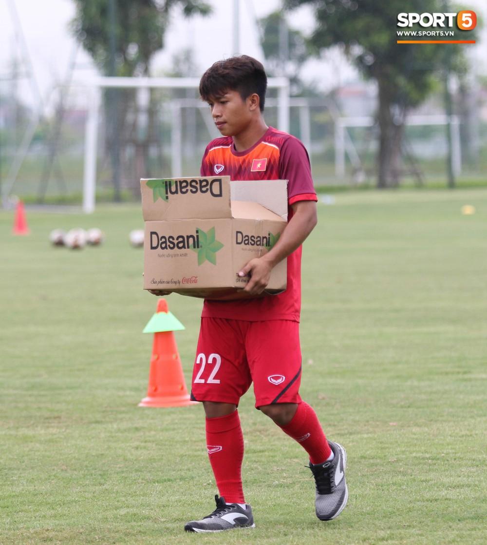U18 Việt Nam hăng say tập luyện hướng tới giải U18 Đông Nam Á - Ảnh 2.