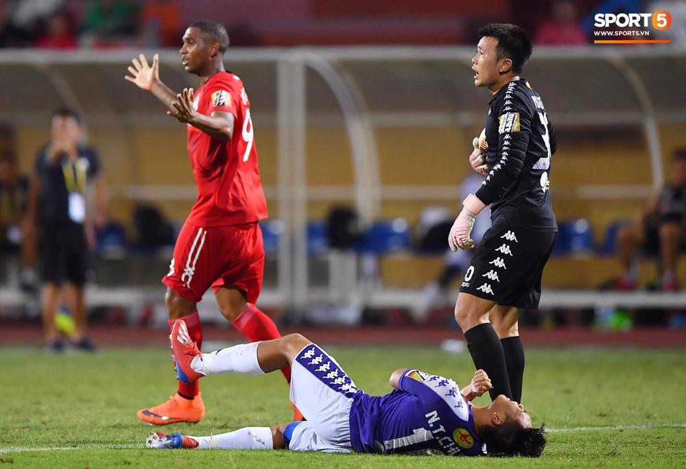 Bộ đôi Xuân Trường - Văn Toàn tái hiện pha bóng tại Asian Cup, giải cứu HAGL vào những giây cuối cùng - Ảnh 6.