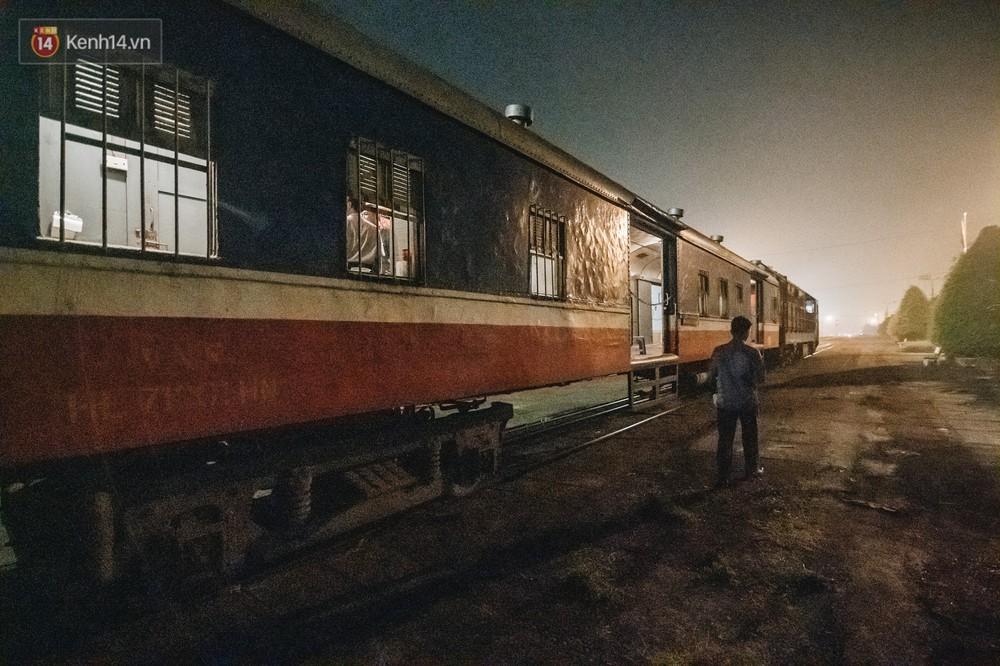 8 giờ trên chuyến tàu kỳ lạ nhất Việt Nam: Rời ga mà không có một hành khách nào - Ảnh 3.