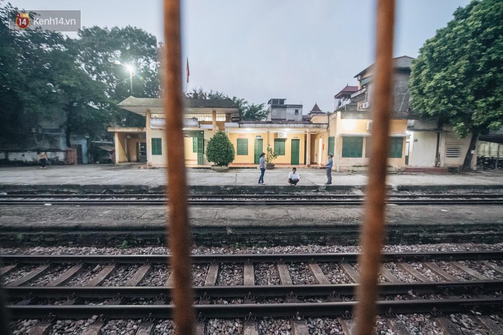 8 giờ trên chuyến tàu kỳ lạ nhất Việt Nam: Rời ga mà không có một hành khách nào - Ảnh 13.
