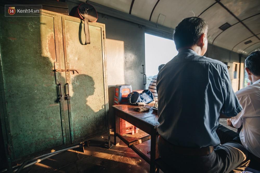 8 giờ trên chuyến tàu kỳ lạ nhất Việt Nam: Rời ga mà không có một hành khách nào - Ảnh 10.