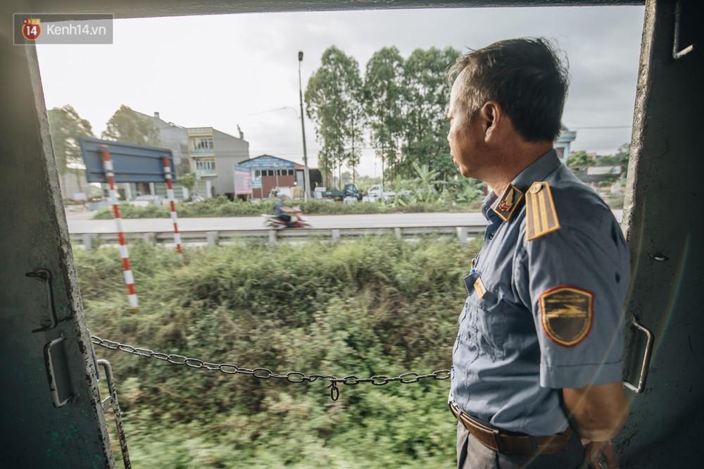 8 giờ trên chuyến tàu kỳ lạ nhất Việt Nam: Rời ga mà không có một hành khách nào - Ảnh 30.