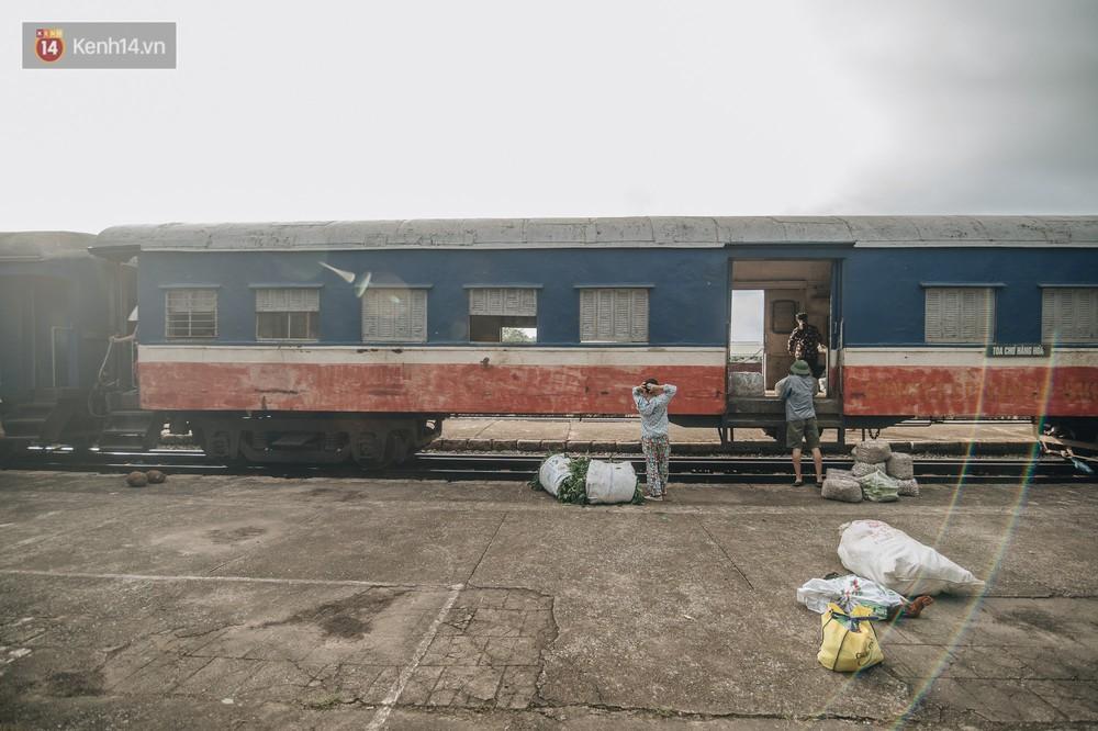 8 giờ trên chuyến tàu kỳ lạ nhất Việt Nam: Rời ga mà không có một hành khách nào - Ảnh 14.